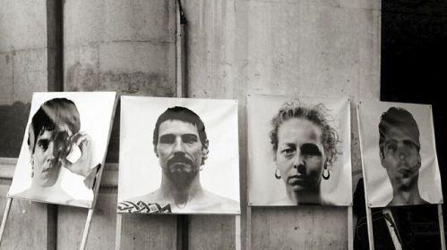 Pancartes-retrats-victimes-antirepressiva-okokitsme_EDIIMA20130223_0271_4